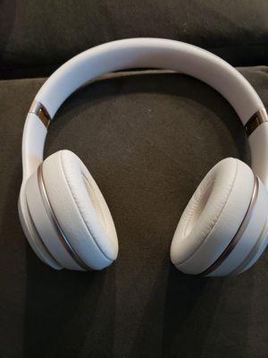 Beats by dre solo 3 wireless rose gold for Sale in Menifee, CA