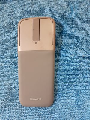 Microsoft Surface Wireless Bluetooth Arch Mouse like new for Sale in Miami Beach, FL