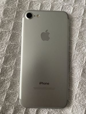 Apple iPhone 32 g unlocked for Sale in Miami, FL