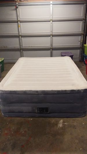 Air Mattress(Deluxe) for Sale in Moreno Valley, CA