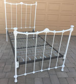Twin bed frame for Sale in Lake Worth, FL
