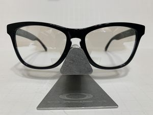 OAKLEY FROGSKIN LX SILVER IRIDIUM LENS RX (EXTREMELY RARE) for Sale in Ontario, CA