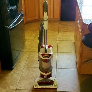Shark Rotator Professional Upright Corded Bagless Vacuum for Sale in Georgetown, TX
