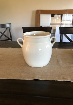 White large vase for Sale in Emerald Hills, CA