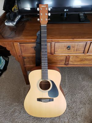 Yamaha Guitar F-35P for Sale in San Diego, CA