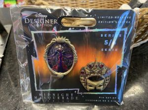 Evil Queen Disney designer collection midnight masquerade pin set- Villains limited release for Sale in San Diego, CA