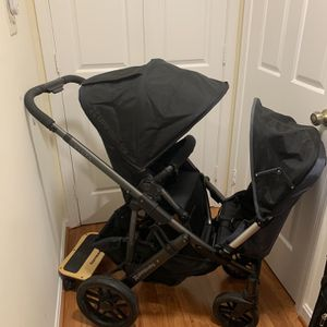 uppababy vista with all accessories for up to three kids in very good condition for Sale in Vienna, VA