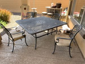 Outdoor dining table and chairs w/umbrella for Sale in Chandler, AZ