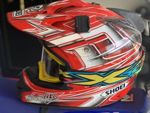 SHOEI Helmet size Large with new Air Helmet Interior Lining and free goggles. Motorcycle, motocross, enduro, dual sport for Sale in Hidden Hills, CA