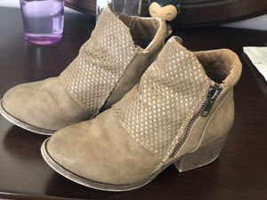 Girls dress casual boots. Size 13 LIKE NEW for Sale in Princeton, FL