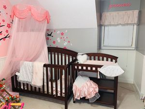 Child of Mine Carters 4-1 Crib Set for Sale in Woodstock, GA