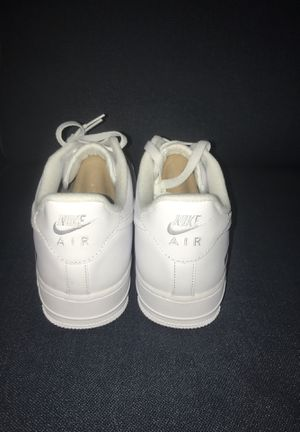 Airforce One Supreme White Size 8.5 for Sale in SEATTLE, WA