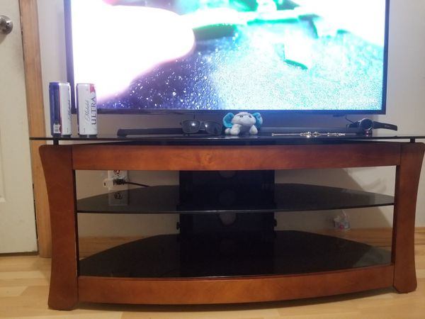 50 inch Samsung smart tv with free nice tv stand
