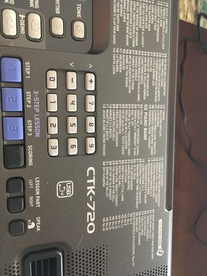 Gently used Casio electric keyboard for Sale in Las Vegas, NV