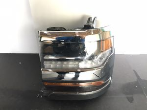 2017 2018 Chevy Silverado Left Driver Side Headlight OEM for Sale in Downey, CA