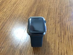 Apple Watch Series 4(gps) 40mm for Sale in Kansas City, MO