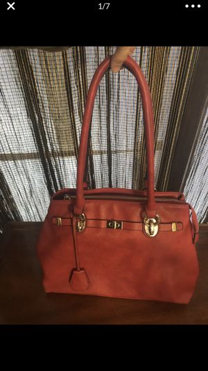 Oversized red handbag for Sale in Alexandria, VA
