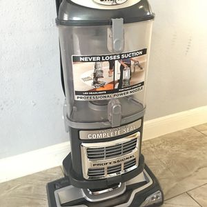 Shark Vacuum Cleaner for Sale in Houston, TX