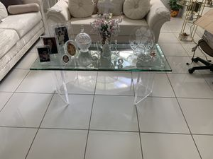 Beautiful hand crafted table for Sale in Miami, FL