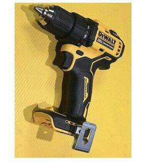 DEWALT 1- cordless oscillating multi tool 20v brushless with 2 blades 1-variable speed reciprocating saw 20v max 1-cordless impact wrench 20v brushle for Sale in The Bronx, NY