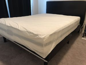 Queen size bed frame and Simmons beauty rest mattress for Sale in Clearwater, FL