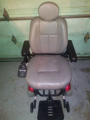 Remote handicap chair,works like new for Sale in Cheyenne, WY