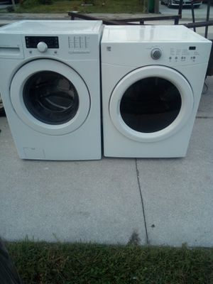 27 INCH BEAUTIFUL KENMORE FRONTLOAD WASHER DRYER SET for Sale in West Palm Beach, FL