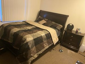 Clean Queen Size bed for Sale in Fort Drum, NY
