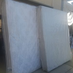 Serta Queen size mattress and box spring. for Sale in Colorado Springs, CO