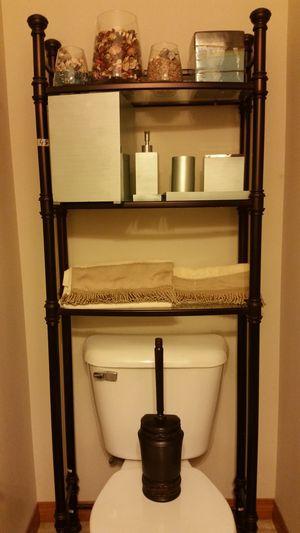 Classical style Bathroom Shelf (Bed, Bath & Beyond) for Sale in Mukilteo, WA