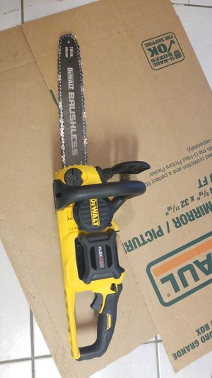 16 in. 60V MAX Lithium-Ion Cordless FLEXVOLT Brushless Chainsaw (Tool Only) DCCS670 for Sale in Houston, TX