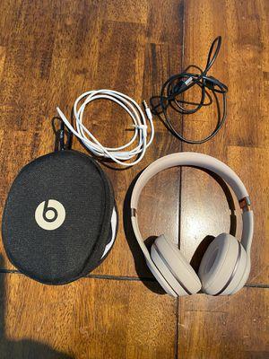 Beats solo 3 headphones for Sale in Decatur, GA