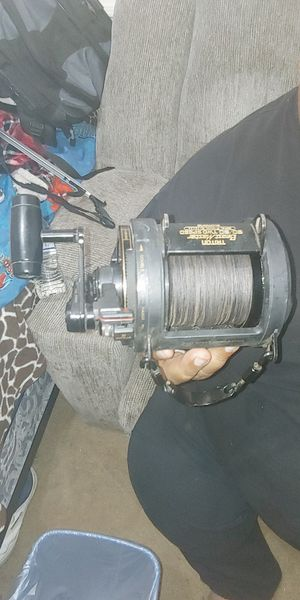 Big game fishing reel for Sale in Fresno, CA