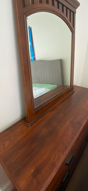 Beautiful New Six Drawer Dresser with Mirror for Sale in Orlando, FL