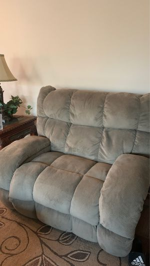 Comfortable living room couch set for Sale in Waddell, AZ