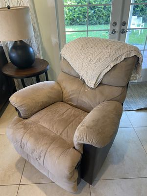 Recliner (make an offer) for Sale in Lake Worth, FL