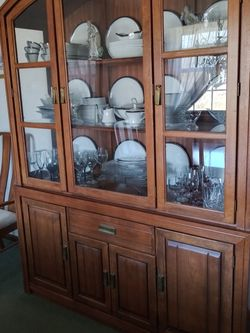 Broyhill Dining Room Set for Sale in McDonald,  PA
