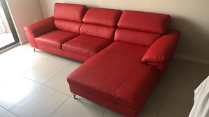 New Red leather couch for Sale in Miami, FL