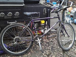 Diamondback mountain bike .. trail bike for Sale in Memphis, TN