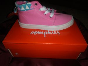 Brand new Girls Oomphies Sam Pink High Top Shoes for Sale in Thornton, CO