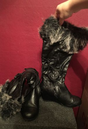 Winter black boots size 7 for Sale in Phoenix, AZ