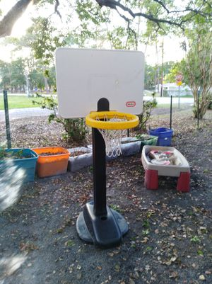 Basketball hoop up to 6 feet for Sale in Tampa, FL