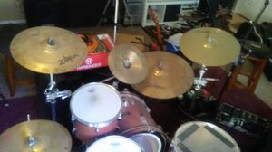 Drum set w/ cymbals and hardware for Sale in Surprise, AZ