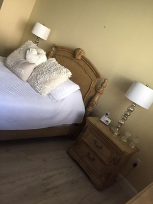 Ashley furniture bedroom set for Sale in Boca Raton, FL