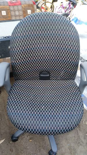 Nice computer chair for Sale in Denver, CO