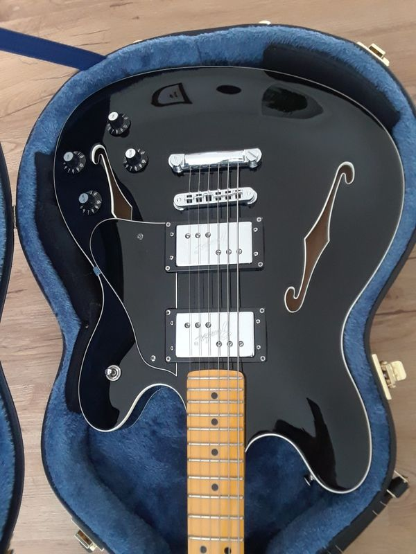 Fender Modern Player Series Starcaster with hardcase