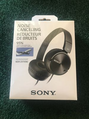 Sony Noise Cancelling Headphones MDR-ZX110NC for Sale in Santa Clarita, CA