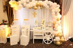 Sweet table design and balloons decoration, candy cart for Sale in Sterling Heights, MI