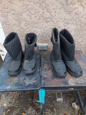 Snow boots for Sale in Fresno, CA