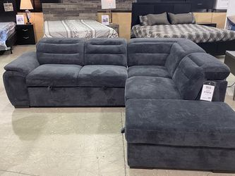SLEEPER SECTIONAL for Sale in Las Vegas,  NV
